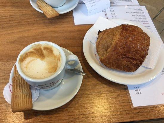 Photo of Cafe Bond en Smolders at Lijnmarkt 9, Utrecht 3511 KE, Netherlands