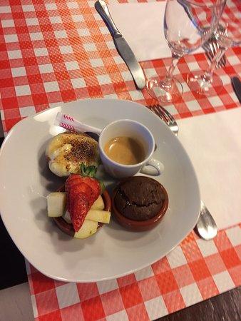 Chez Jacques: Magnifique et délicieux café gourmand...