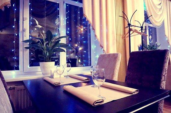 Abal: Светлое и уютное кафе