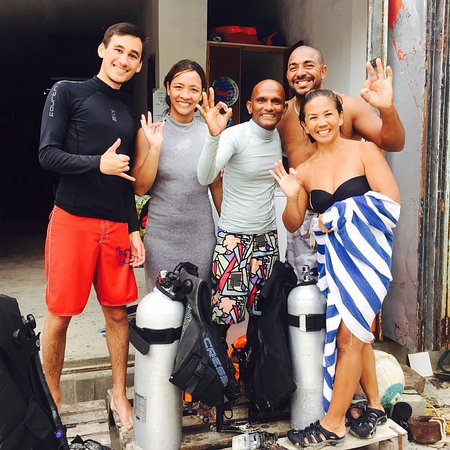 Adventure Diving: Happy customers are beautiful