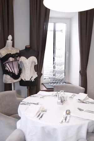 Restaurant Old Street: уютный зал ресотрана
