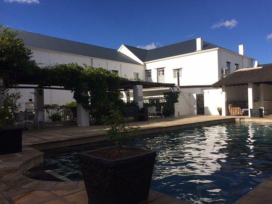Prince Albert, South Africa: Der Pool am späten Nachmittag.
