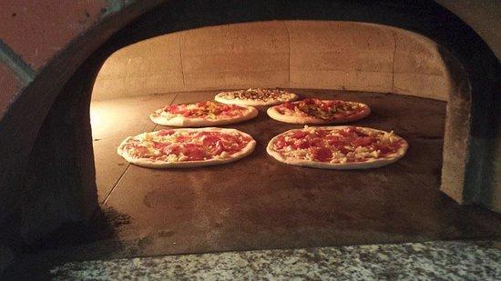 JAN Restaurante: JAN PIZZAS FORNO