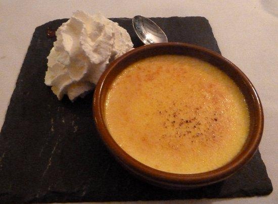 Callantsoog, The Netherlands: creme brulee bij driegangenmenu hotelrestaurant