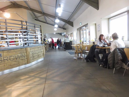 Craigie's Farm Deli and Cafe: dining area