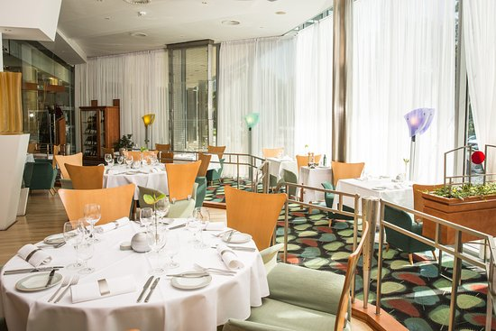 e874395c48 Restaurant Prominent - Picture of Holiday Inn Brno