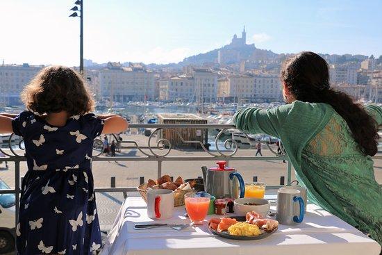 Hotel La Residence du Vieux Port: Petit déjeuner