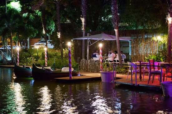 El Higuero: Cena a orillas del lago