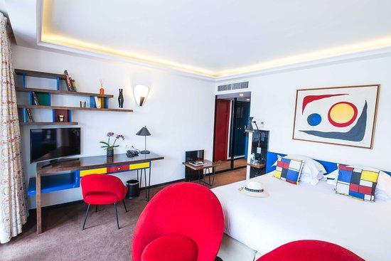Hotel la residence du vieux port now 123 was 2 1 4 for Chambre d hotel marseille