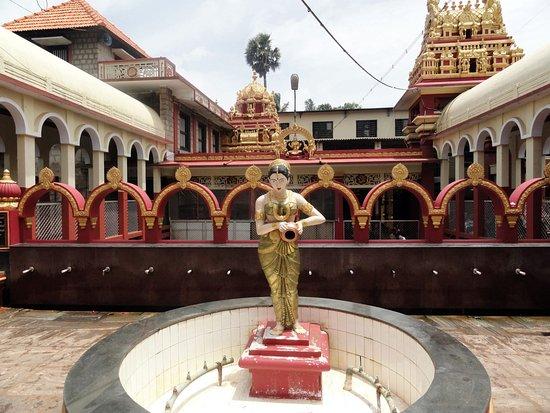 Kuil Kateel Shree Durgaparameshwari