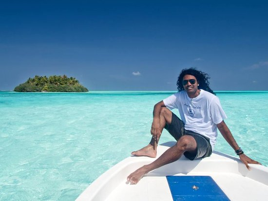 Adventure Diving: Traveling to islands always by sea