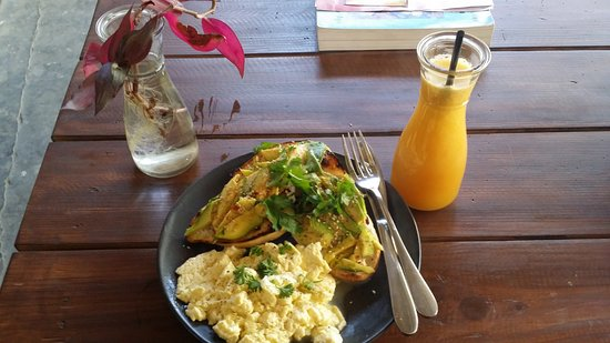 The Juicery Cafe: Special order for me. Avocado toast and their amazing fluffy scrambled eggs and immune booster!!