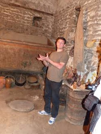 Private Tours GDG: in 500-600 years old wine cellar