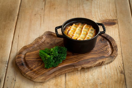 The Barn at Coworth Park: Windsor Estate beef and onion pie