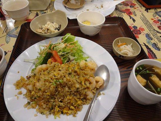 Nagumagai Restaurant: エビチャーハン