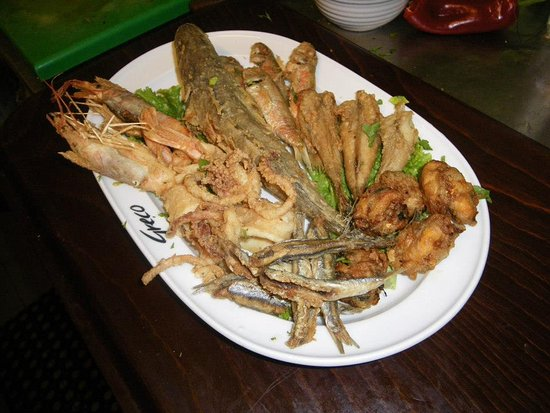 Ta Tsamouria: τηγανιά του ψαρρά