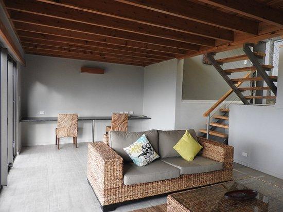 Rondon Ridge: Lounge & stairs
