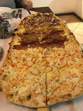 Ristorante Pizzeria President: Pizza al metro,birra e dolci