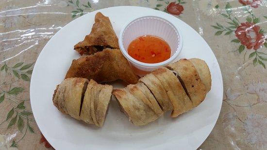 Roti-Mataba: samosa & roll