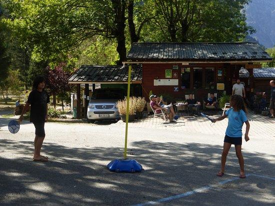 Partie de speed ball au camping le Champ du moulin