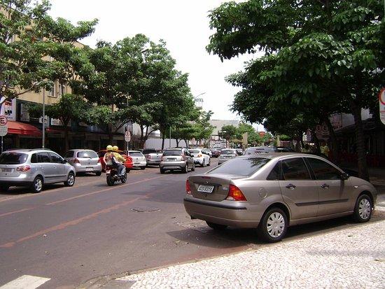 Aguas do Iguacu Hotel Centro: rua do hotel