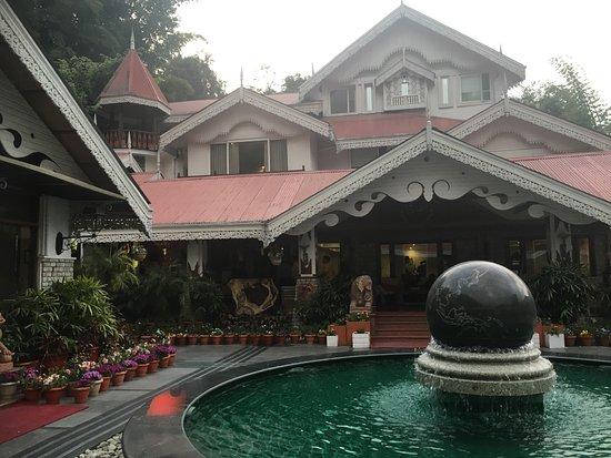 Mayfair Spa Resort & Casino照片