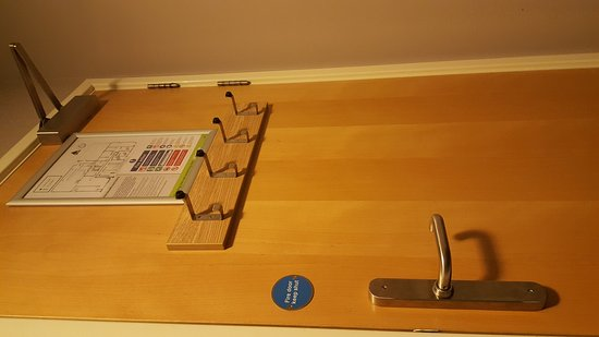 YHA London Central: Private bedroom with table, lockable storage cupboard and lots of useful charging points!