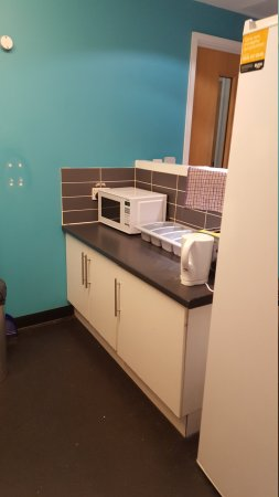 YHA London Central: Self catering kitchenette area