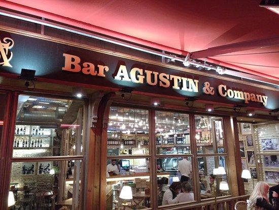 Bar Agustin & Company: Vista externa