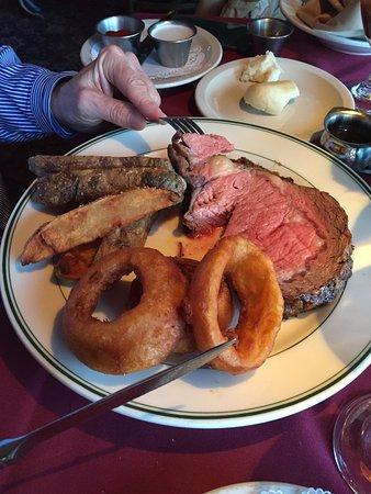 Relics Restaurant: My husband's prime rib.