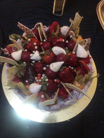 Diego Andino Patisserie: Charlotte de Frutas Vermelhas