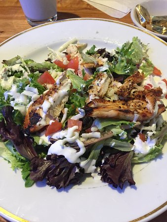 Blue Moon Cafe : My grilled chicken salad!