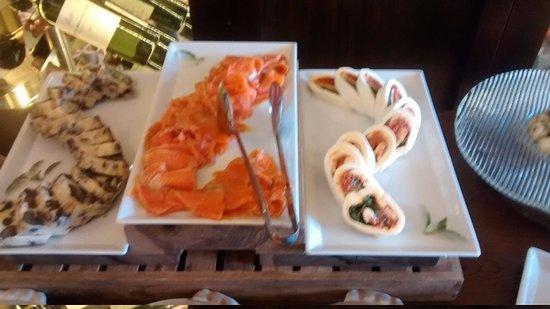 Buono Italian Kitchen: Mesa de Faimbre