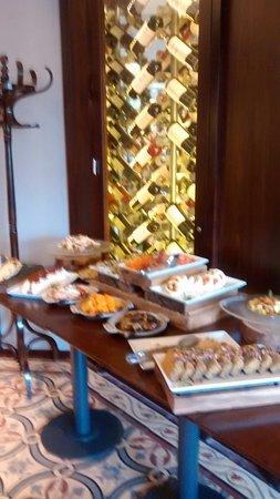 Buono Italian Kitchen: Mesa de quesos