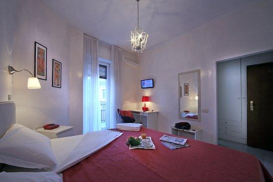 Cristallo Hotel Brescia: camera  dus