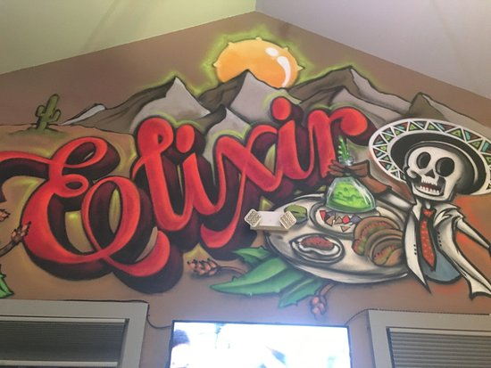 Elixir Bar and Grill: Great festive art to go with great food