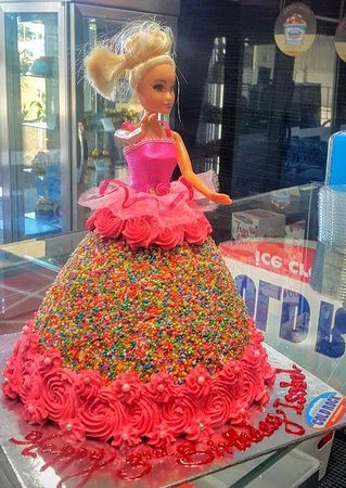 Chermside, Австралия: Disney princess themed ice cream cake