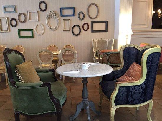 Antoinette Cafe Photo