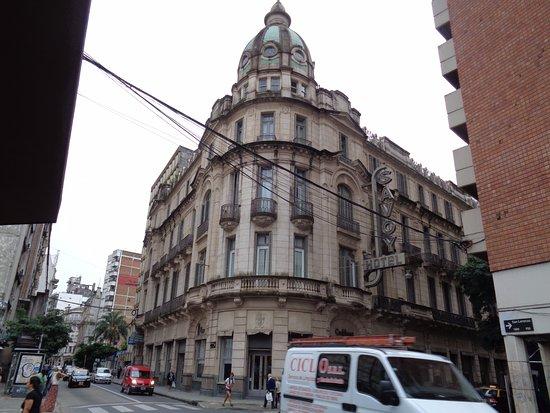 Esplendor by Wyndham Savoy Rosario: Frente del hotel