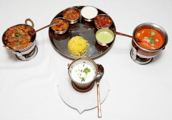 Restaurant Indian Shanti : THALI Y BUTTER CHICKEN, JEERA ALLU Y RAITA