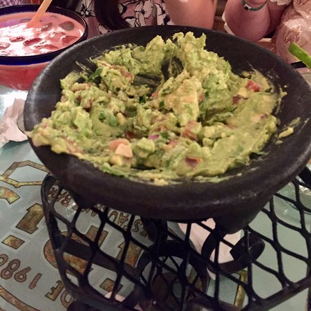 Pipi's: Seriously the best guac I've ever had!
