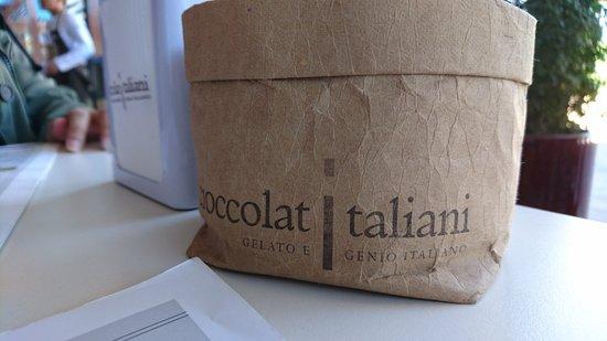 Cioccolatitaliani Qatar: Sugar sachets holder.