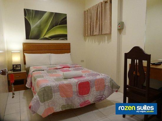Rozen Suites Paradise: Double-size Single Bed Guest Room with External Bathroom