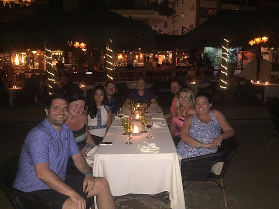 La Palapa Restaurant: Perfect for our group of 8!