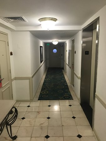 Sherry Frontenac Hotel Photo