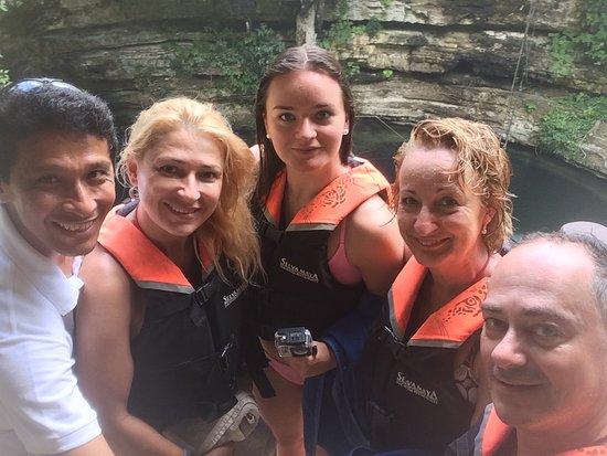 Cancun Deluxe: Un excelente dia con nuestros visitantes de España!