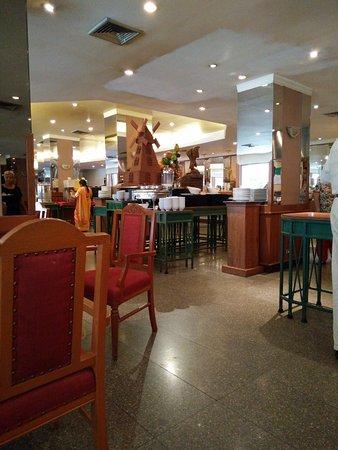 Eastin Hotel Makkasan: Hotel Dining area