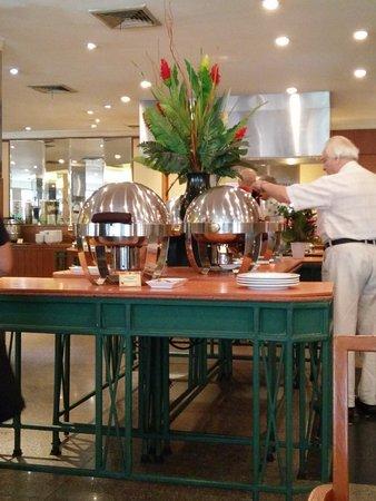 Eastin Hotel Makkasan: Hotel dining