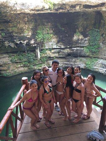 Cancun Deluxe: Bachelorette Excursion!