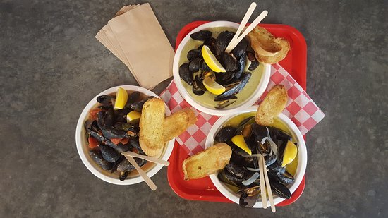 The Local Oyster: Tuesday is MUSSEL NIGHT: 3 Ways with grilled baguette and choice of 3 sauces